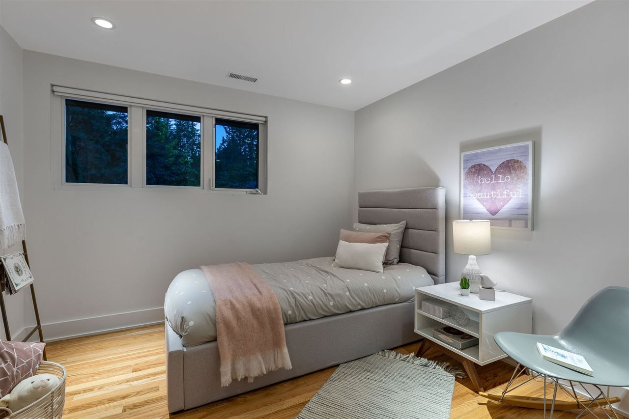 Photo 14: Photos: 315 MULGRAVE Place in West Vancouver: British Properties House for sale : MLS®# R2483368