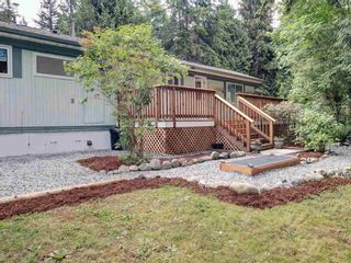 Photo 3: 17 240 HARRY Road in Gibsons: Gibsons & Area Manufactured Home for sale (Sunshine Coast)  : MLS®# R2588608
