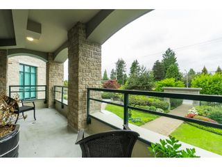 "Photo 24: 205 14824 NORTH BLUFF Road: White Rock Condo for sale in ""Belaire"" (South Surrey White Rock)  : MLS®# R2456173"