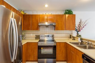Photo 5: 11 6450 199 STREET in North Delta: Willoughby Heights Townhouse for sale ()  : MLS®# F1417861