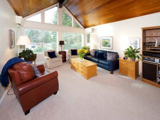 "Photo 4: 6545 HILLSIDE Crescent in Delta: Sunshine Hills Woods House for sale in ""Sunshine Hills"" (N. Delta)  : MLS®# R2042303"