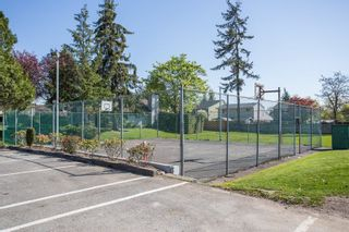 """Photo 16: 6109 GREENSIDE Drive in Surrey: Cloverdale BC Townhouse for sale in """"Greenside Estates"""" (Cloverdale)  : MLS®# R2264200"""