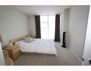"""Photo 5: 2905 2289 YUKON Crescent in Burnaby: Brentwood Park Condo for sale in """"Watercolours"""" (Burnaby North)  : MLS®# V777043"""