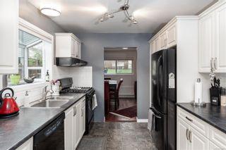 Photo 12: 986 Annie St in : SE Quadra Half Duplex for sale (Saanich East)  : MLS®# 862039