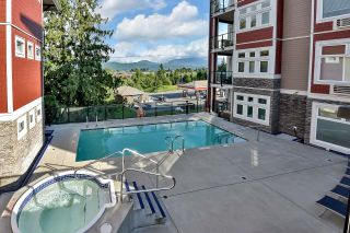 """Photo 25: 105 2238 WHATCOM Road in Abbotsford: Abbotsford East Condo for sale in """"Waterleaf"""" : MLS®# R2610127"""