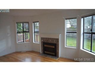 Photo 4: 4 4580 West Saanich Rd in VICTORIA: SW Royal Oak Row/Townhouse for sale (Saanich West)  : MLS®# 756094