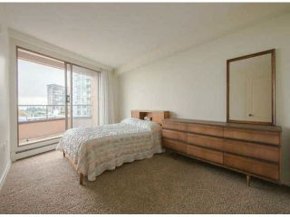 "Photo 7: 810 15111 RUSSELL Avenue: White Rock Condo for sale in ""Pacific Terrace"" (South Surrey White Rock)  : MLS®# F1424896"