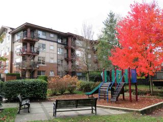 """Photo 14: 201 200 KLAHANIE Drive in Port Moody: Port Moody Centre Condo for sale in """"SALAL"""" : MLS®# R2222800"""