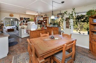 Photo 3: 2751 Wallbank Rd in : ML Shawnigan House for sale (Malahat & Area)  : MLS®# 872502