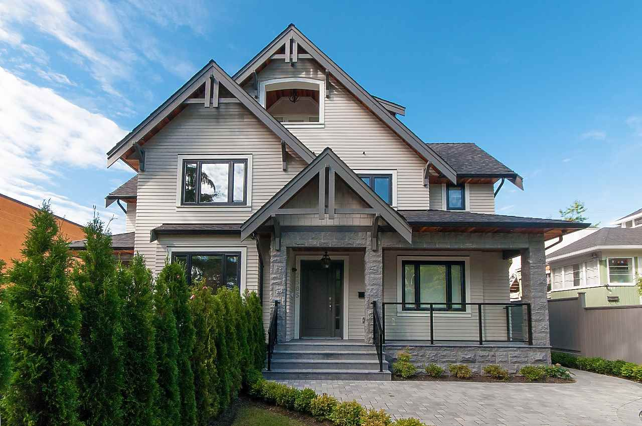 Main Photo: 2585 W 2ND Avenue in Vancouver: Kitsilano 1/2 Duplex for sale (Vancouver West)  : MLS®# R2331347