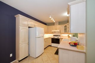 """Photo 11: 5 3701 THURSTON Street in Burnaby: Central Park BS Townhouse for sale in """"THURSTON GARDENS"""" (Burnaby South)  : MLS®# R2615333"""
