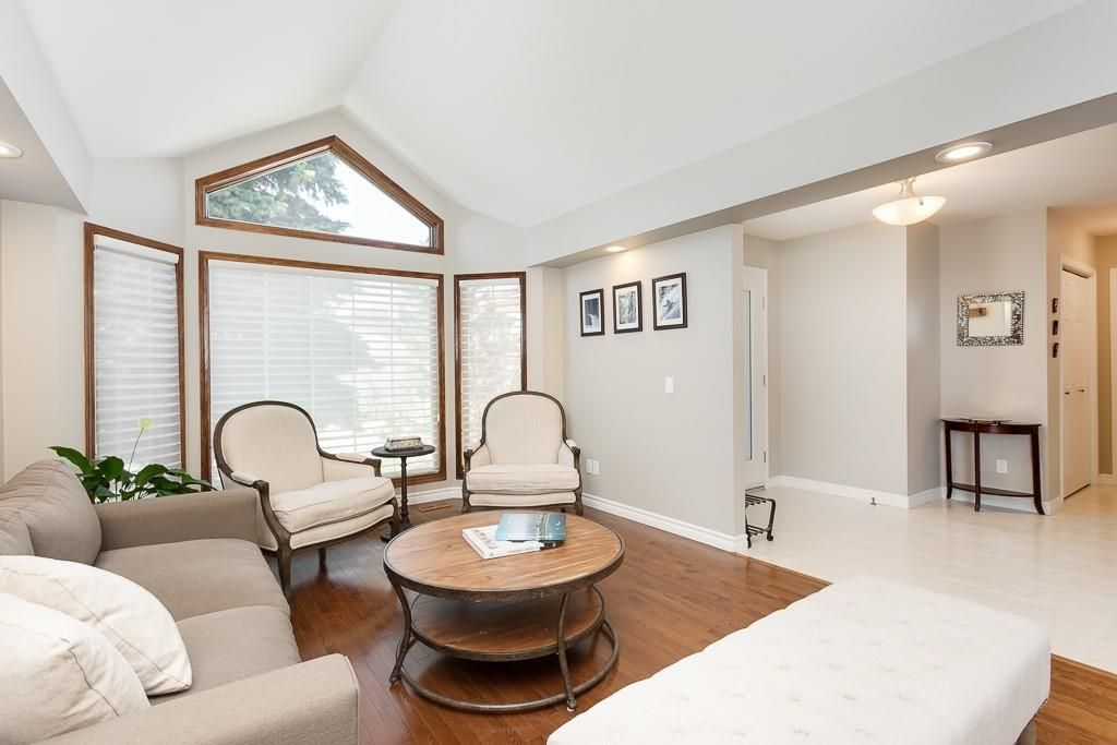 Photo 5: Photos: 115 SIERRA MORENA Circle SW in Calgary: Signal Hill Detached for sale : MLS®# C4299539