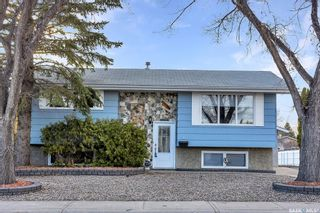 Photo 1: 6 DUNSMORE Drive in Regina: Walsh Acres Residential for sale : MLS®# SK849206