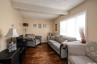 Photo 3: 1435 1st Avenue North in Saskatoon: Kelsey/Woodlawn Residential for sale : MLS®# SK860074