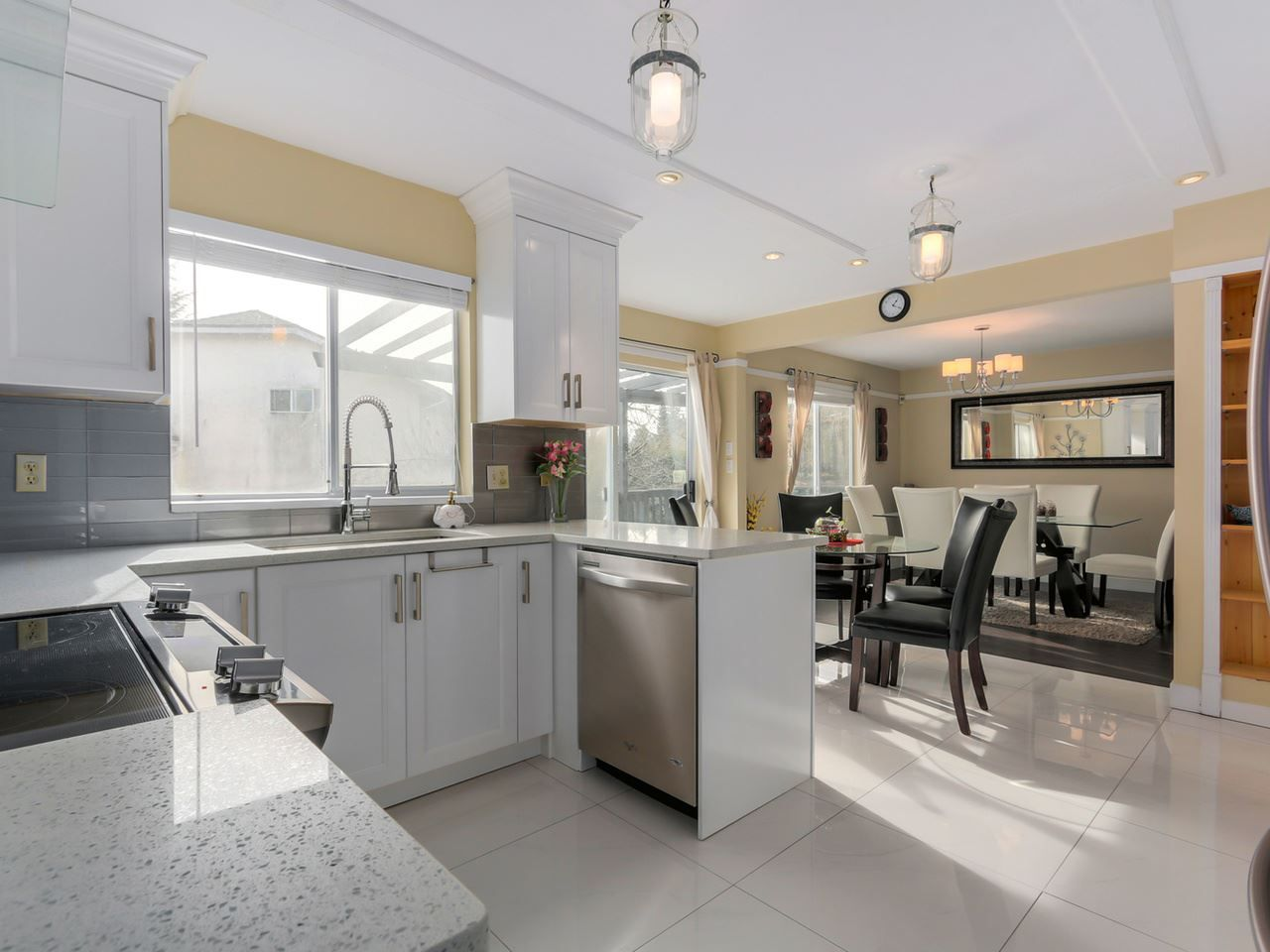 """Photo 3: Photos: 2868 TEMPE KNOLL Drive in North Vancouver: Tempe House for sale in """"TEMPE"""" : MLS®# R2046593"""