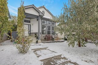 Photo 1: 180 Mt Aberdeen Close SE in Calgary: McKenzie Lake Detached for sale : MLS®# A1046116