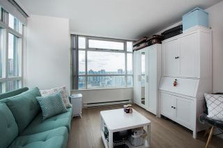 """Photo 7: 2607 438 SEYMOUR Street in Vancouver: Downtown VW Condo for sale in """"Conference Plaza"""" (Vancouver West)  : MLS®# R2574733"""
