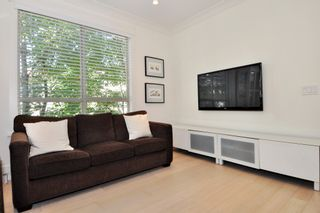 """Photo 9: 37 100 KLAHANIE Drive in Port Moody: Port Moody Centre Townhouse for sale in """"INDIGO"""" : MLS®# R2303018"""