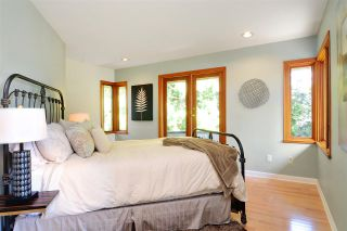 Photo 9: 3968 SOUTHWOOD Street in Burnaby: South Slope House for sale (Burnaby South)  : MLS®# R2102171