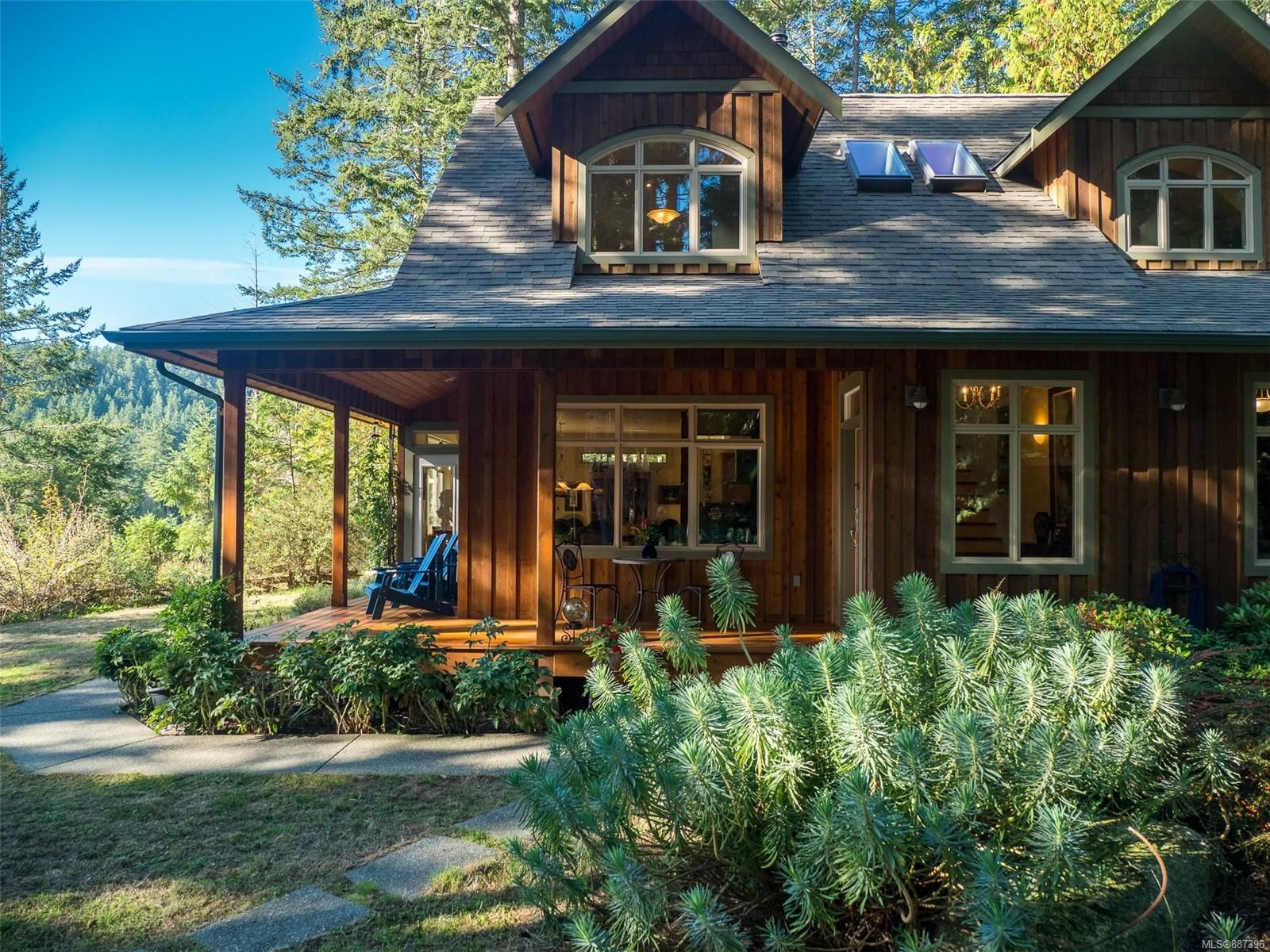 Main Photo: 9912 Spalding Rd in : GI Pender Island House for sale (Gulf Islands)  : MLS®# 887396
