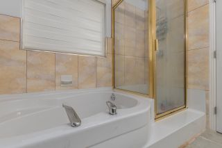 """Photo 18: 1668 PLATEAU Crescent in Coquitlam: Westwood Plateau House for sale in """"AVONLEA HEIGHTS"""" : MLS®# R2538686"""