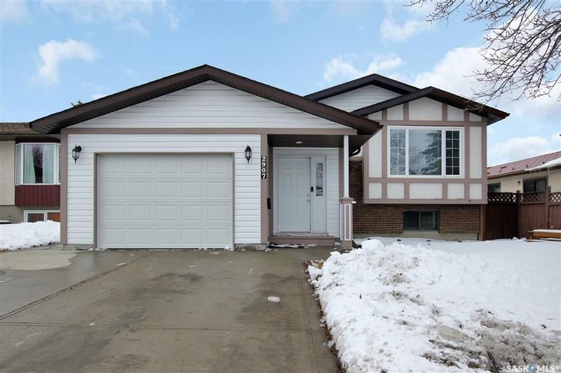 FEATURED LISTING: 2907 Jenkins Drive East Regina