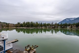 Photo 19: 40 LAKESHORE Drive: Cultus Lake House for sale : MLS®# R2531780