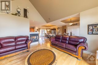 Photo 5: 280 OLD 17 HIGHWAY in Plantagenet: House for sale : MLS®# 1249289