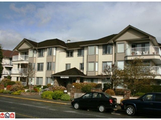"Main Photo: 110 33401 MAYFAIR Avenue in Abbotsford: Central Abbotsford Condo for sale in ""MAYFAIR GARDENS"" : MLS®# F1008610"