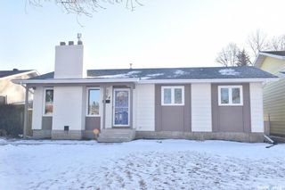 Photo 1: 134 Fuhrmann Crescent in Regina: Walsh Acres Residential for sale : MLS®# SK717262
