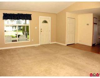 "Photo 3: 34694 5TH Avenue in Abbotsford: Poplar House for sale in ""HUNTINGDON VILLAGE"" : MLS®# F2909890"