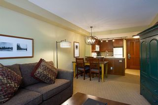 """Photo 5: 201 G4 4653 BLACKCOMB Way in Whistler: Benchlands Condo for sale in """"HORSTMAN HOUSE"""" : MLS®# R2373370"""