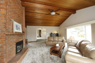 Photo 2: 40228 DIAMOND HEAD Road in Squamish: Garibaldi Estates House for sale : MLS®# R2348707