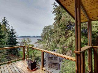 Photo 1: 5687 RUTHERFORD Road in Halfmoon Bay: Halfmn Bay Secret Cv Redroofs House for sale (Sunshine Coast)  : MLS®# R2363253