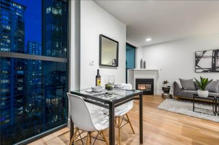 """Photo 15: 1403 928 RICHARDS Street in Vancouver: Yaletown Condo for sale in """"THE SAVOY"""" (Vancouver West)  : MLS®# R2461037"""