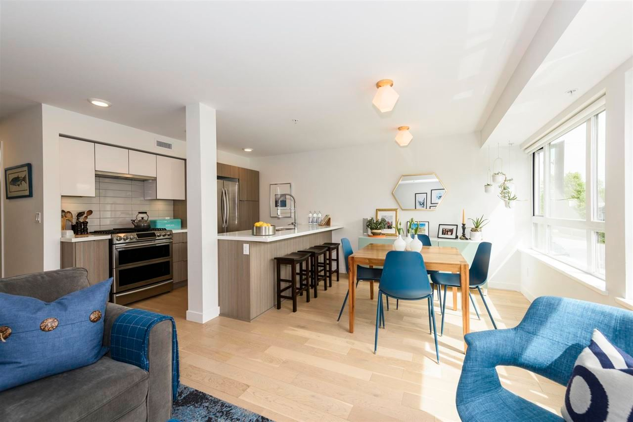 """Main Photo: 2 365 E 16TH Avenue in Vancouver: Mount Pleasant VE Townhouse for sale in """"Hayden"""" (Vancouver East)  : MLS®# R2574581"""
