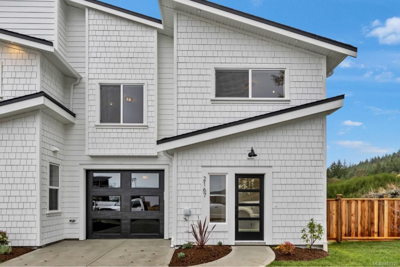 Main Photo: 2165 Mountain Heights Dr in : Sk Broomhill Half Duplex for sale (Sooke)  : MLS®# 858329