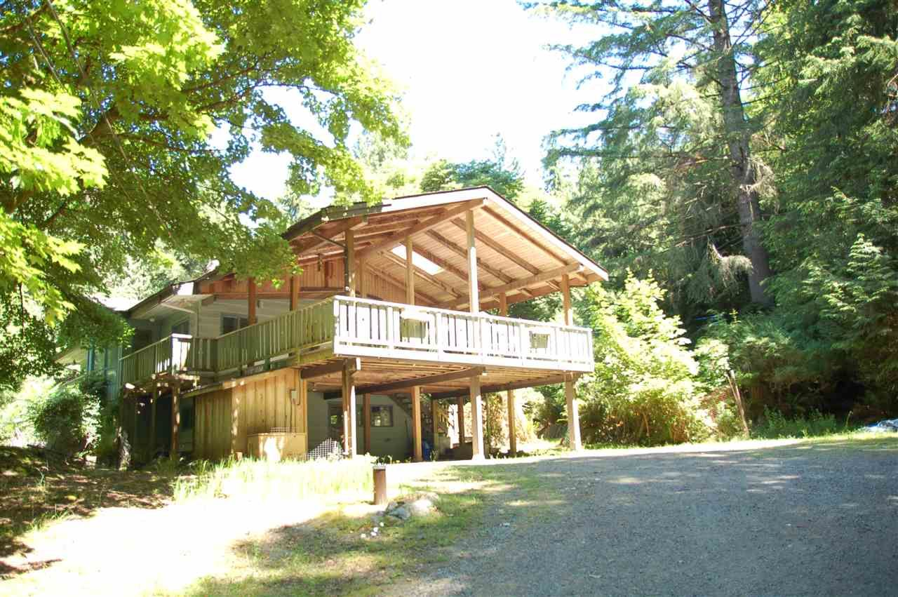 Main Photo: 1457 WOODS ROAD: Bowen Island House for sale : MLS®# R2186060