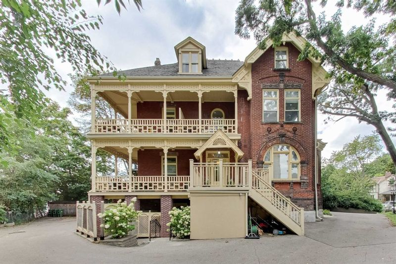 FEATURED LISTING: Ph 7 - 32 Gothic Avenue Toronto