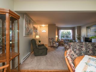Photo 10: 21 1535 Dingwall Rd in COURTENAY: CV Courtenay East Row/Townhouse for sale (Comox Valley)  : MLS®# 836180