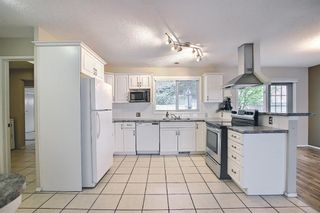 Photo 12: 635 Tavender Road NW in Calgary: Thorncliffe Detached for sale : MLS®# A1117186