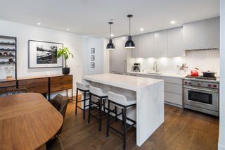 """Photo 11: 380 E 11TH Avenue in Vancouver: Mount Pleasant VE Townhouse for sale in """"UNO"""" (Vancouver East)  : MLS®# R2595479"""