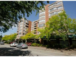 """Photo 1: 702 15111 RUSSELL Avenue: White Rock Condo for sale in """"PACIFIC TERRAC"""" (South Surrey White Rock)  : MLS®# R2057182"""
