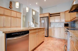 Photo 11: 2632 1 Avenue NW in Calgary: West Hillhurst Semi Detached for sale : MLS®# A1137222