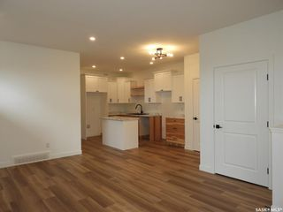 Photo 2: 111A 7th Avenue North in Warman: Residential for sale : MLS®# SK859639