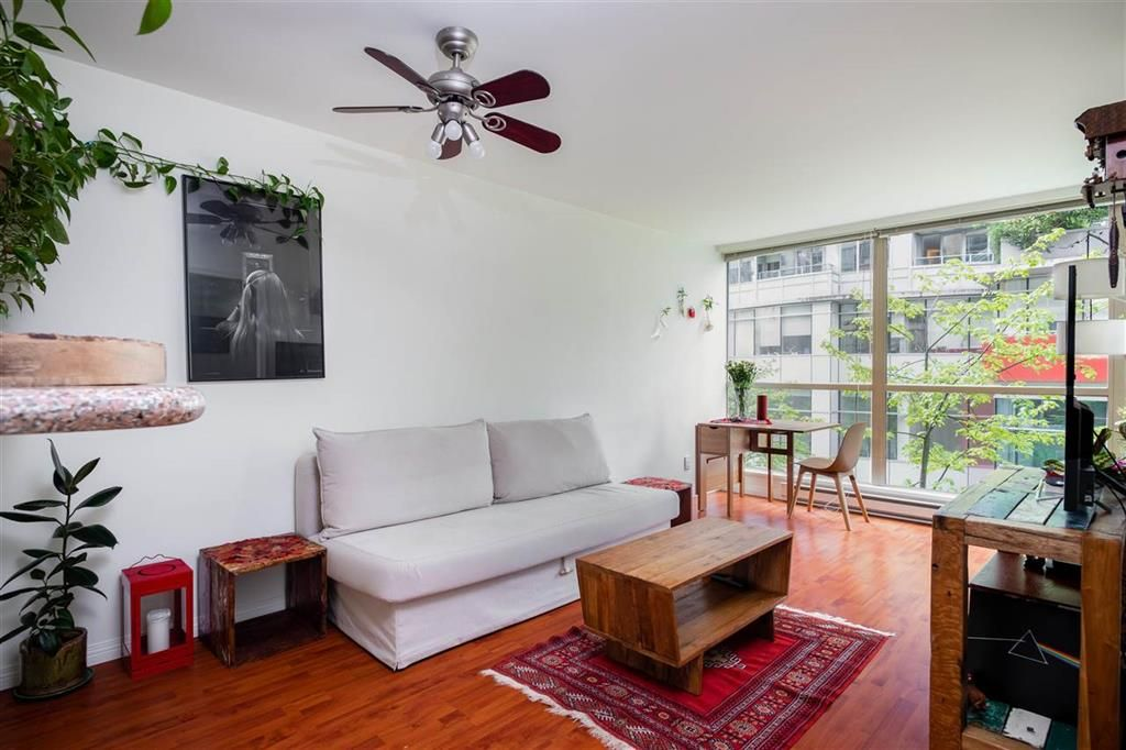 Main Photo: 401-822 Homer Street in Vancouver: Yaletown Condo for sale (Vancouver West)  : MLS®# R2574587