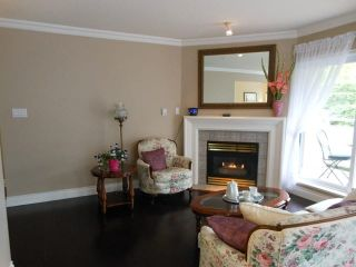 """Photo 2: 207 15140 29A Avenue in Surrey: King George Corridor Condo for sale in """"The Sands"""" (South Surrey White Rock)  : MLS®# F1422962"""