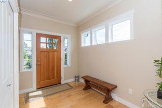 Photo 2: 2111 JAMES WHITE Blvd in SIDNEY: Si Sidney North-West Half Duplex for sale (Sidney)  : MLS®# 792176