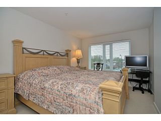 Photo 4: # 306 1673 LLOYD AV in North Vancouver: Pemberton NV Condo for sale : MLS®# V1001933