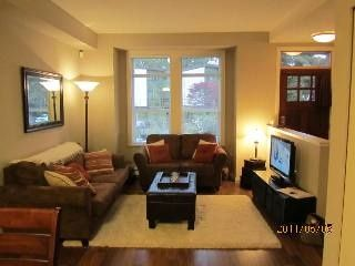 """Photo 2: 5881 IRMIN ST in Burnaby: Metrotown Condo for sale in """"MACPHERSON WALK EAST"""" (Burnaby South)  : MLS®# V888092"""